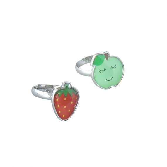 Rings apple strawberry