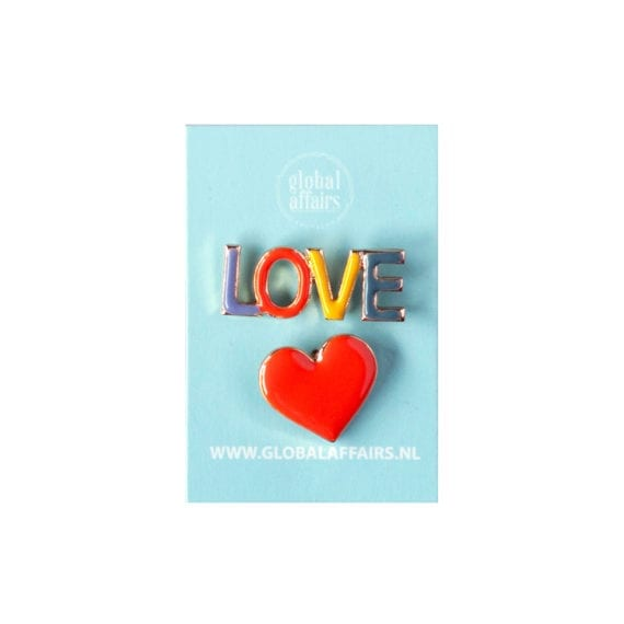 Pins Heart and Love Packaging